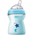Фото Chicco Natural Feeling - Бутылочка силиконовая соска с наклоном и флексорами, 2+ голубая, 250 мл