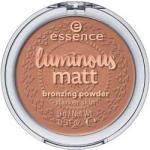 Фото essence Luminous Matt Bronzing Powder - Пудра компактная, тон 02 бронзирующая